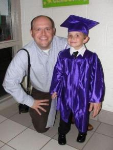 Qua la MANO, piccolo laureato!