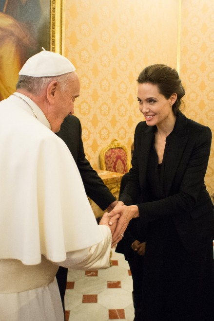 Papa Francesco e Angelina Jolie 2