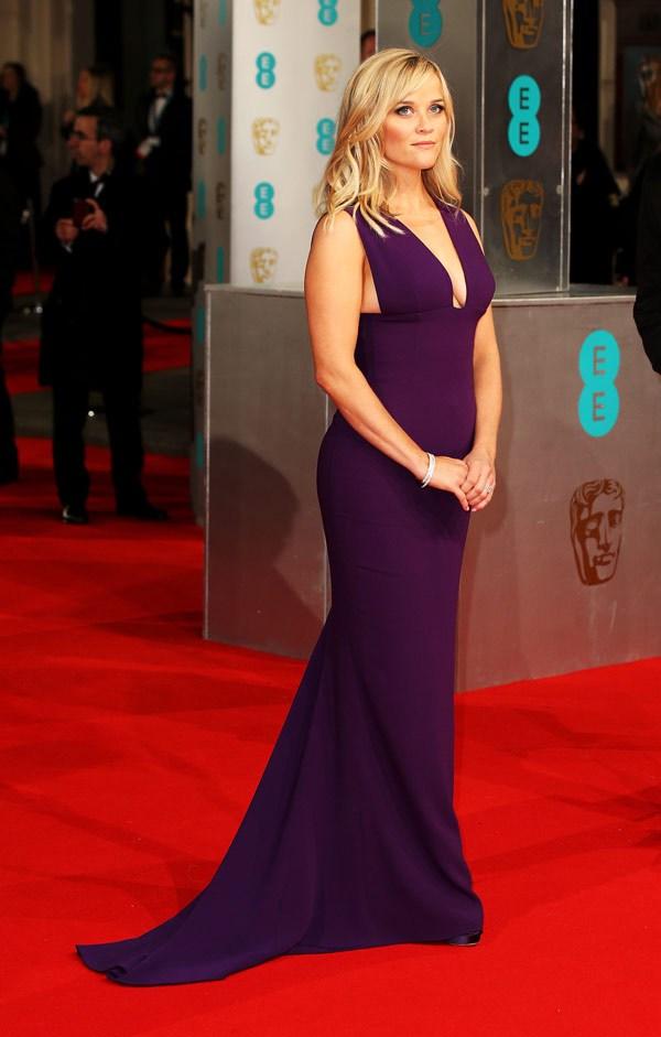 Reese Whiterspoon si è presentata in viola, avvolta in un abito di Stella McCartney. Anche lei, come Julianne Moore e Amy Adams ha deciso di puntare tutto sulle forme, ottenendo un ottimo risultato.